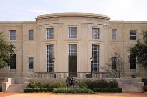800px-Armstrong_browning_library_baylor_2014
